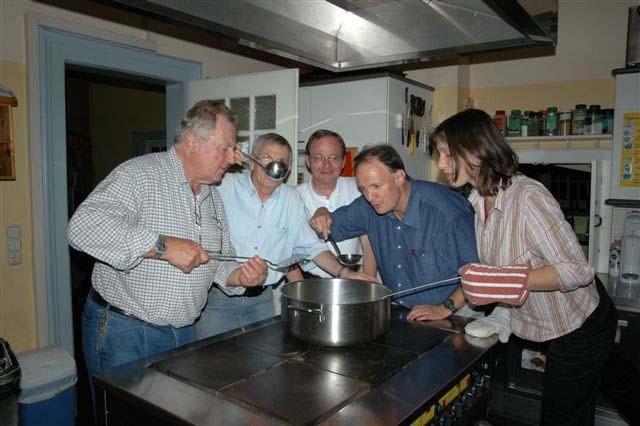 Archiv 2006 2 egg bayern - Hommel kuchen und mobelmanufaktur ...